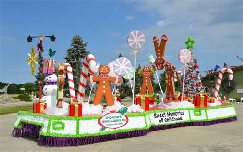 Easy Christmas Float Decorations
