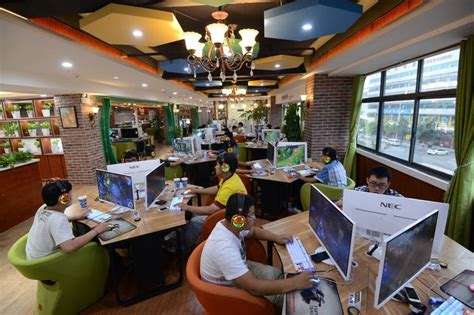china moving  rewrite internet rules  counter  dominance