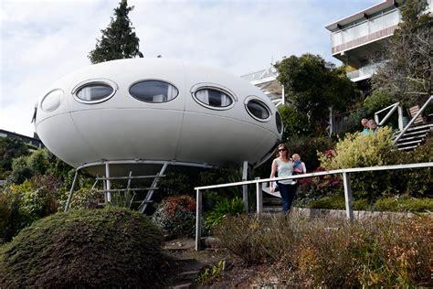 spaceship home     world stuffconz
