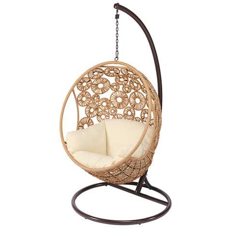 fauteuil suspendu de jardin en r 233 sine tress 233 e et coussin 233 cru ibis maisons du monde