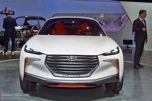 Hyundai Hybride Suv : german designed hyundai intrado concept hints at future crossover suv live photos autoevolution ~ Medecine-chirurgie-esthetiques.com Avis de Voitures