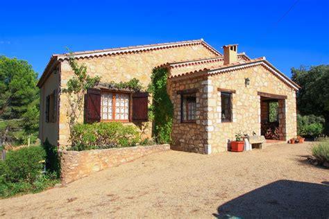 maison 224 vendre en paca var aups aups villa 3 chambres et 2 salles de bain terrasses vue