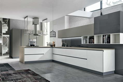 top cuisiniste cuisine design blanc et taupe