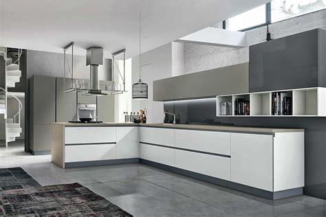 cuisine blanche mur taupe cuisine design blanc et taupe