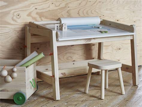 bureau table à dessin ikea envoie du bois joli place