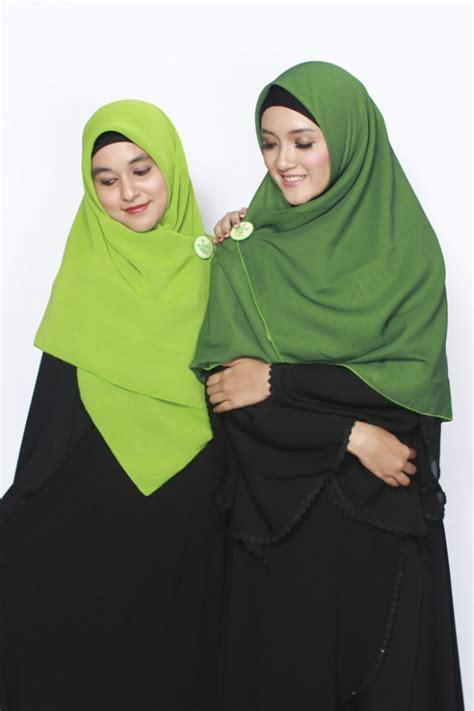 sella khimar bolak balik hijau muda hijau tua hijab