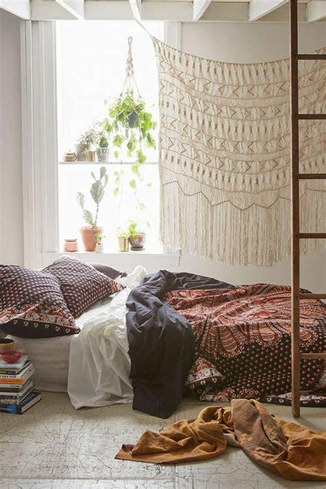 canape relax 1001 déco uniques pour créer une chambre hippie
