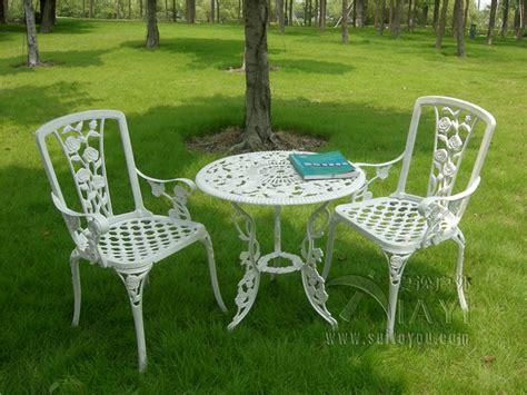 3 cast aluminum garden chair and table patio
