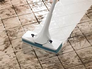 Simple routines to cleaning ceramic tile floors homesfeed for Best wet mop for tile floors