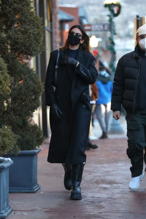 Kendall Jenner Spotted out & about in Aspen - Celebzz ...