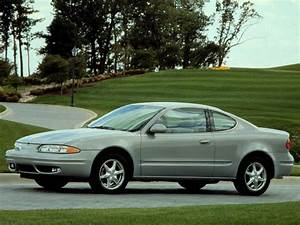 Oldsmobile Alero Coupe Specs  U0026 Photos