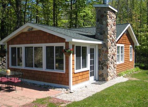 cottage rentals in michigan comfy cottage 600ft wf charlevoix vrbo