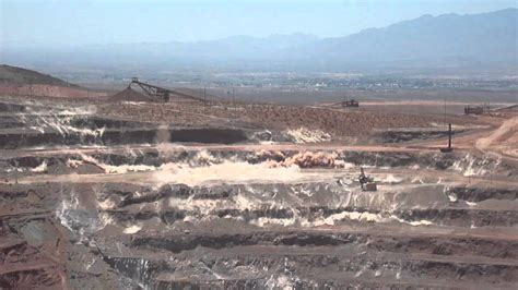 Safford Mine small blast - YouTube