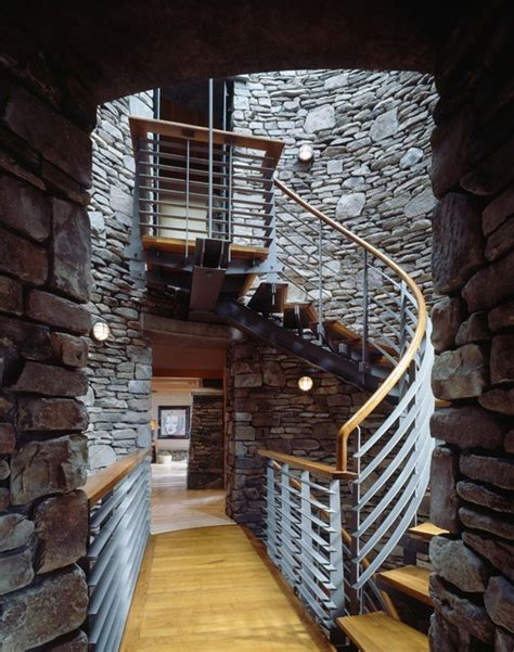 mid level  stair tower