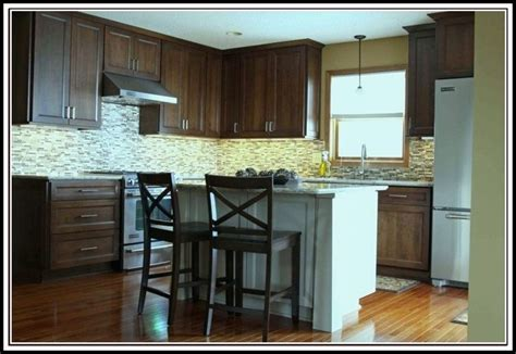 how much overhang for kitchen island 11 best images about kitchen on oak cabinets