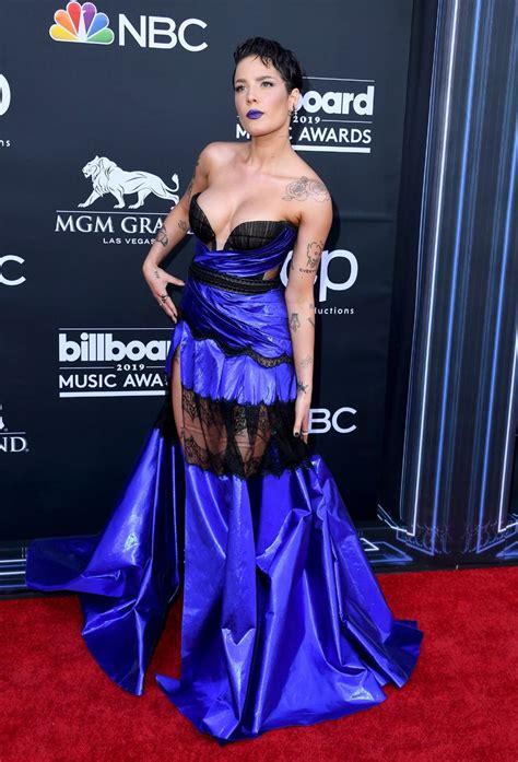 2019 Billboard Müzik Ödülleri kırmızı halı şıklığı ...