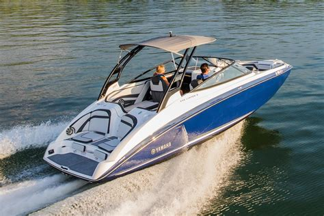Yamaha Boat Dealers In Nc by 2017 Yamaha 242 Limited S Power Boats Inboard Goldsboro