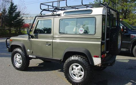 1997 land rover defender top 10 most notable land rovers in the u s motor trend