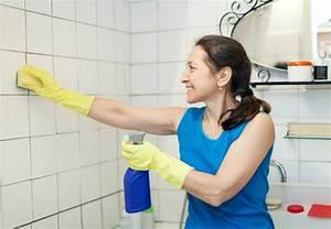 nettoyer les joints de carrelage sol et mural d39une salle With nettoyer les joints de salle de bain