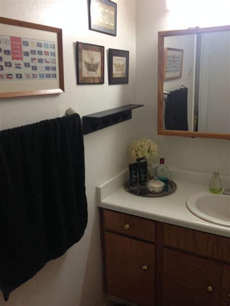bathroom decor for guys men s bathroom decor thrift store finds for the home pinterest bathrooms decor thrift
