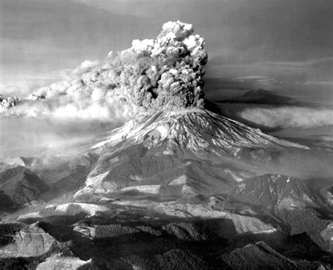 mount st helens still highly dangerous 30 years later