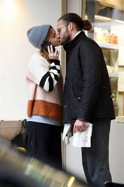 Watson Emma Kissing Boyfriend Tom Felton London