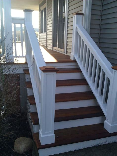 Outdoor Banister Railing by Best 25 Front Porch Railings Ideas On Porch