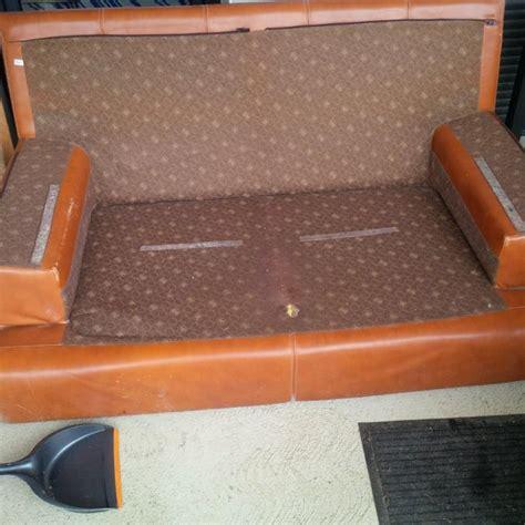 don de canapé troc echange don de canape cuir avec coussins demontables
