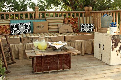 Le salon de jardin en palette - bricolez vos meubles patio incroyables - Archzine.fr