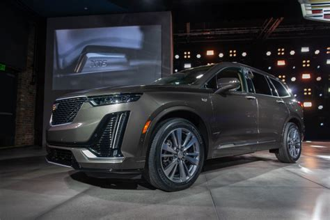Cadillac Escalade 2020 Auto Show by 2020 Cadillac Xt6 Luxury Three Row Crossover Look