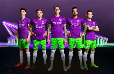 Odd Purple / Lime Bristol City 17-18 Kit Wins 2017-18 EFL ...