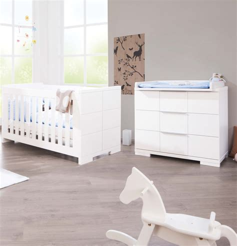 chambre bebe evolutif but pinolino chambre bb polar blanc lit volutif commode