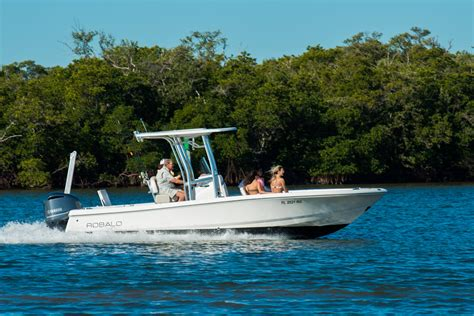 Baywater Boat Club by C10 Robalo 246 Cayman Baywater Boat Club