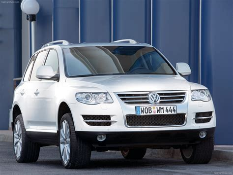 volkswagen touareg blue volkswagen touareg blue photos photogallery with 2 pics