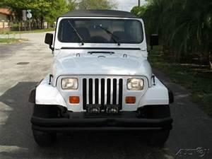1992 Jeep Wrangler 4 0l I6 4 X 4 5 Speed Manual White  Tan