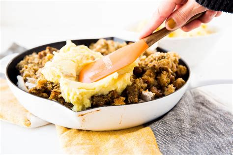 Try the classic shepherd's pie recipe or mix it up with a veggie shepherd's pie with lentils, or add parsnips to your mash like nigel slater. Tasty Leftover Turkey Shepherd's Pie - Dr. Pingel