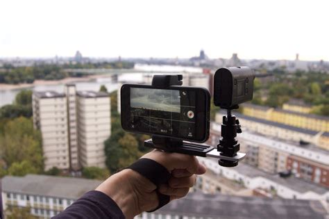 iphone videography gear fstoppers reviews the shoulderpod s1 a minimalist iphone