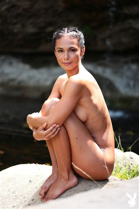 Daniella Smith Fappening Naked Yoga Classes Photos The Fappening