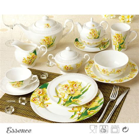 Excellent Material Porcelain Country Style Dinnerware Set