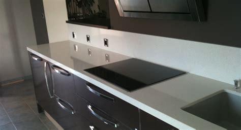 plan de travail cuisine gris clair plan de travail cuisine en granit cuisine granit noir 10