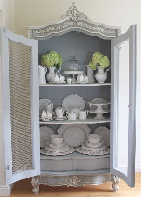 molding on kitchen cabinets 25 best ideas about china cabinet display on 7846