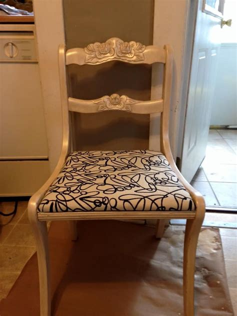 antique chair madeover     vanity cream chalk