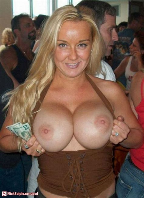 Big Tits Milf Flash Picture Of The Day