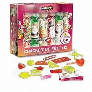 Acheter Des Crackers De Noel : bo te de 12 crackers surprise enfant ~ Teatrodelosmanantiales.com Idées de Décoration
