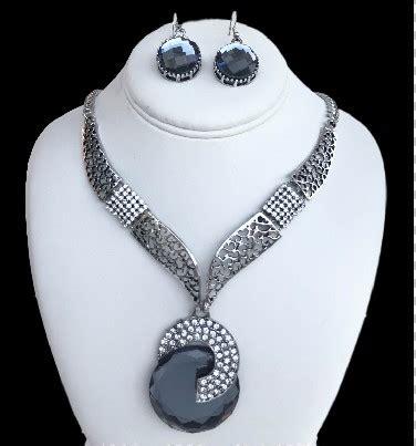 Fashion Jewellry Necklace Earring Set