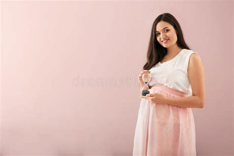 Pretty Woman With Hourglass Stock Image Image Of Holds