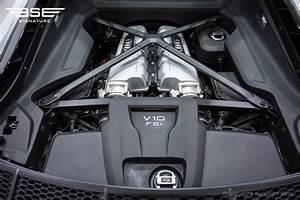 Audi R8 Motor : hire audi r8 v10 plus sleek fast supercar at signature ~ Kayakingforconservation.com Haus und Dekorationen
