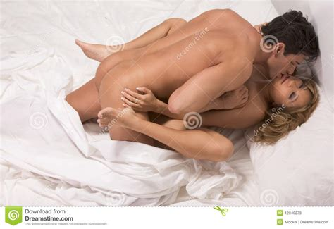 Sex Hot Couple Kissing In Bed Naked Porn Pictures