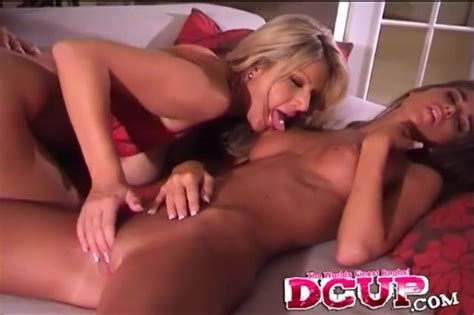 Cunt Rubbing And Tit Sucking With Three Lesbian Hotties