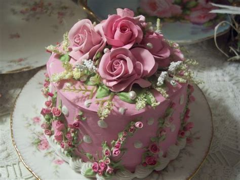 beautiful decorated cakes shabby cottage pink rose decorated cake charming amazing cakes and cupcakes pinterest
